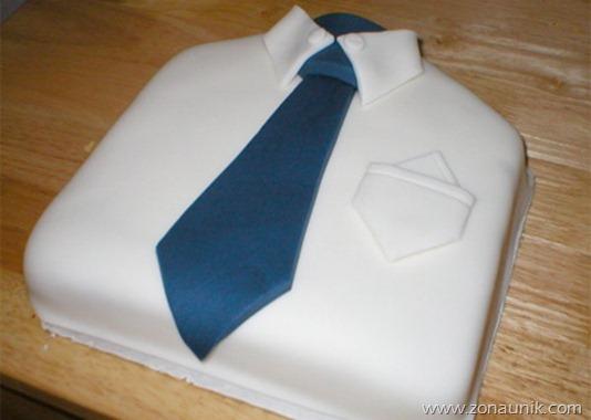 Model Kue ulang tahun berbentuk baju sekolah