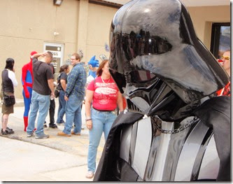 Darth waits in line