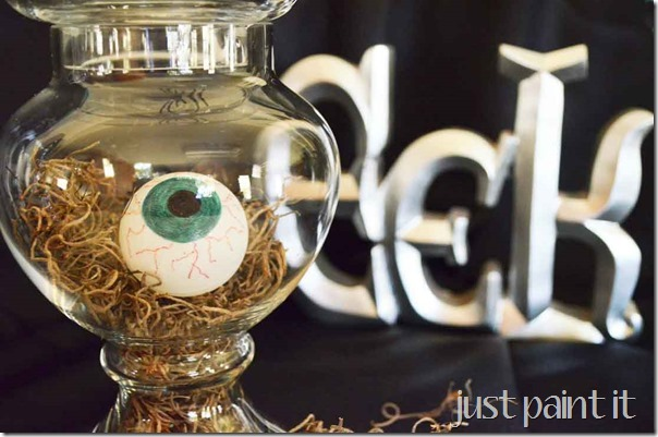 make-spooky-eyeballs-M
