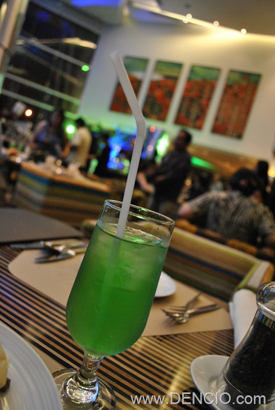 Acaci Cafe Buffet Acacia Hotel Manila 56