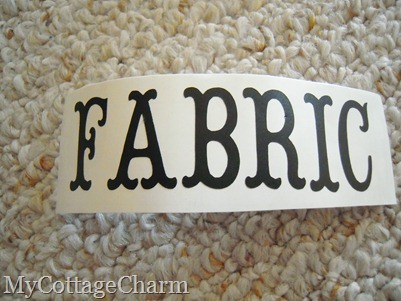 how to apply vinyl letters