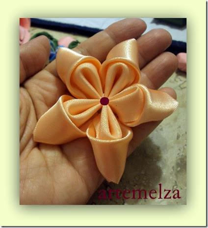 Artemelza - flor dupla em fita