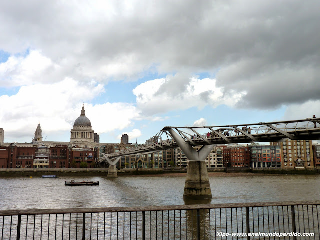 millenium-bridge-london.JPG