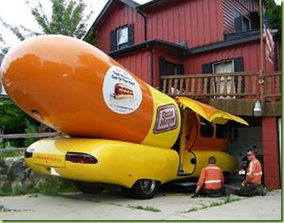 wienermobile-crash1