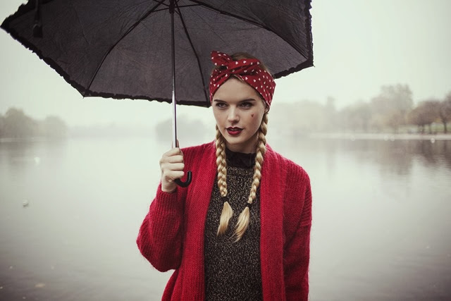 valentine's-day-heart-wire-headband-pin-up-rockabilly-heart-hair-wrap-1950s-retro-twist-headband