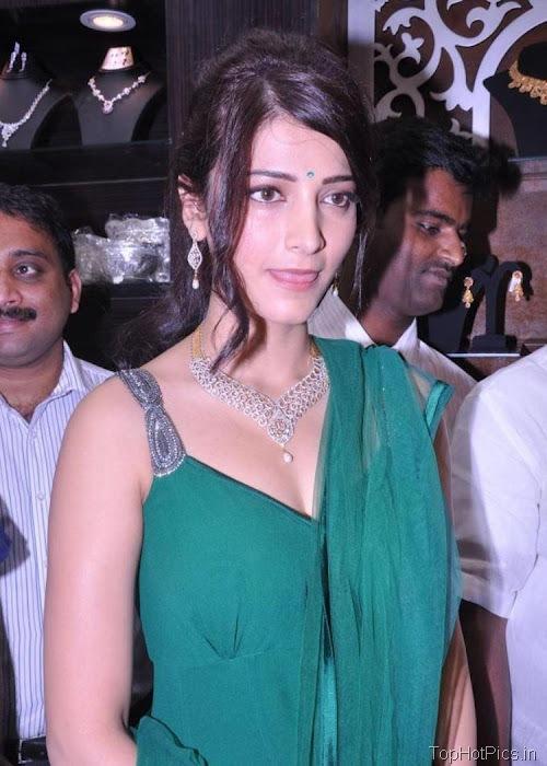 Shruti Hassan Hot Navel Photos 2012 12