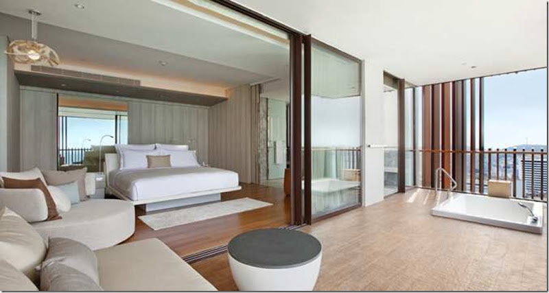 Spoil yourself in this stylish 125m²/1345sq.ft suite offering spectacular ocean views. The spacious and contemporary one bedroom suite, located on a high floor, features 1 king bed, a walk-in wardrobe and the latest in-room multimedia technology.