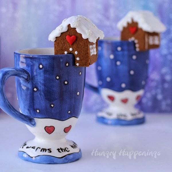 Mini-gingerbread-cookies-on-mugs-Christmas-cookie