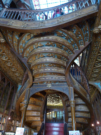 Porto: The Lello bookstore