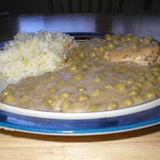 Solo Chicken Breast in Peas and Buttermilk Gravy
