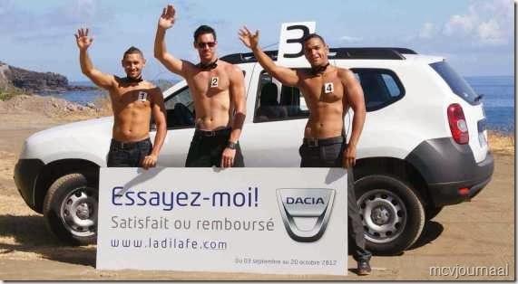 Dacia Duster met mannelijk schoon 01
