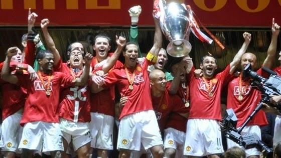 А это Манчестер Юнайтед. Они просто радуются спорту!