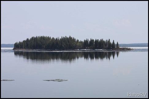 Island-in-Lake-Louise