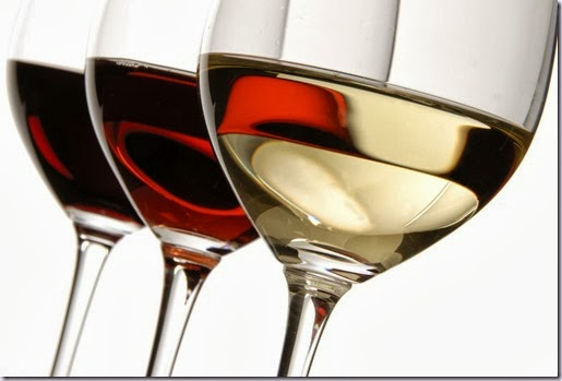 taças-de-vinho-e-delicias