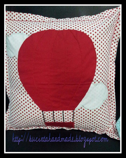 Balon Udara Lisa Merah