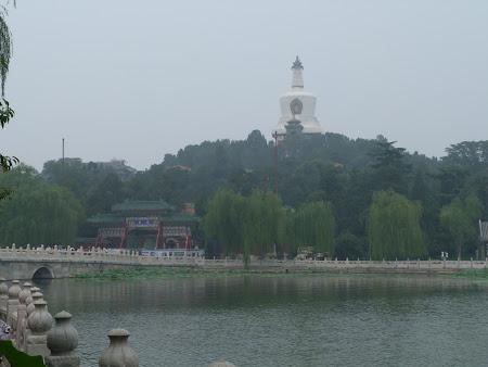 Obiective turistice Beijing: templul Beihai