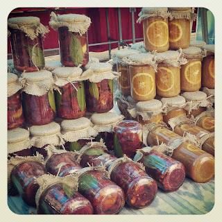 Tomates seco macerados en aceite de oliva del Mercado de Sóller. Sóller para niños. No sólo comen y duermen