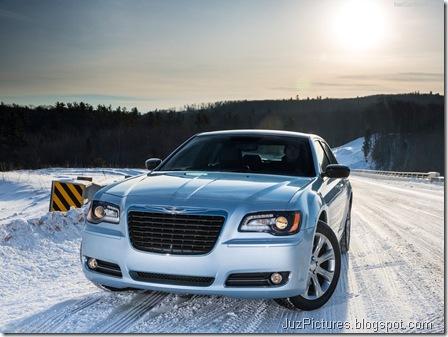 Chrysler-300_Glacier_2013_800x600_wallpaper_01