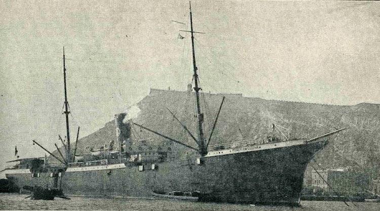 SS ROGER DE LLURIA. Foto de la revista CATALUNYA MARITIMA.jpg