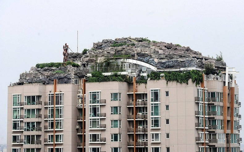 дом на крыше китайской высотке