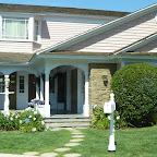 La maison d'Eddie. Merci à Emilie pour m'avoir aidé à identifier tout ce splendide patrimoine immobilier que pour ma part je n'avais jamais vu à la télé.