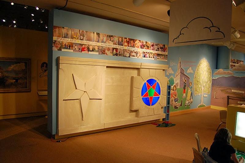 pentagrama invertido museu