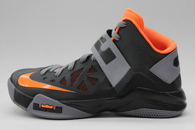 nike zoom soldier 6 gr black grey orange 1 01 New Nike Zoom LeBron Soldier VI   Black/Orange   Available