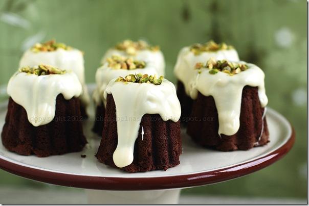 babeczki czekoladowe z białą czekolada i pistacjami (3)