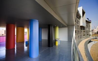 edificio-panel-solar-en-españa