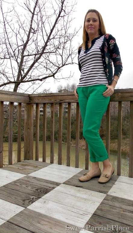 Grean pants, navy stripes anf floral cardigan, nude flats1