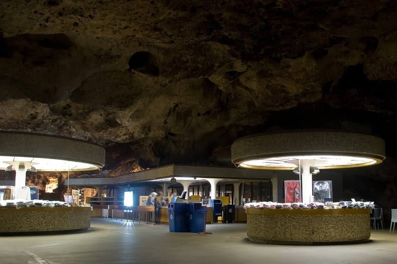 underground-lunchroom-4