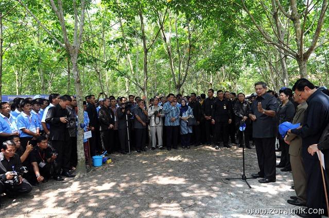 foto keseharian Presiden Indonesia Susilo Bambang Yudhoyono (27)