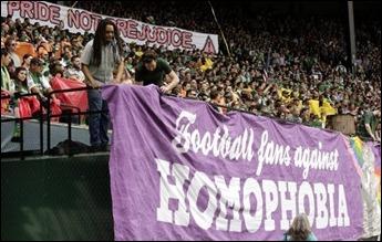 Fãs de futebol contra a homofobia