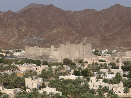 37. Marele fort Bahla - Oman.JPG