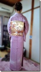 着物の襟をふっくらと (1)