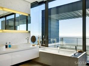 lavabos bañeras y espejos de diseño casa nettleton 199 saota
