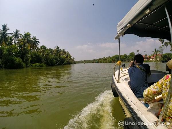Kerala-backwaters-Poovar-5.jpg