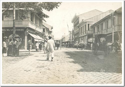A typical Manila street scene Calle Rosario, Binondo