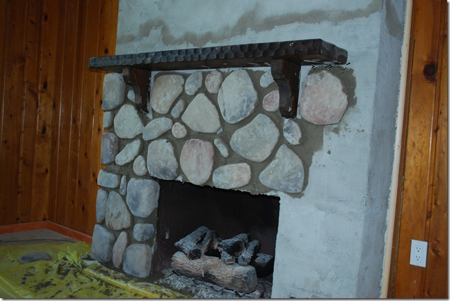 Cottage Fireplace 019