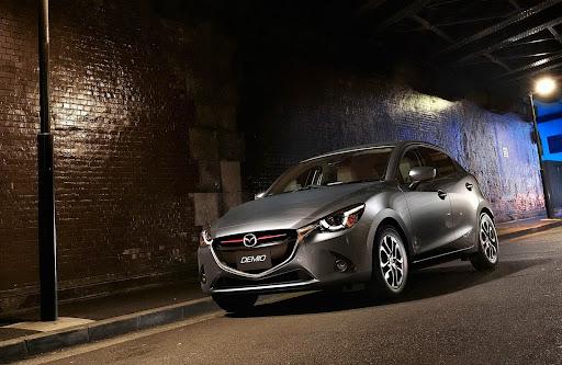 2015-Mazda2-Demio-37.jpg