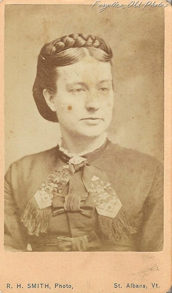 CDV Mrs EA Meiton Vermont  DL Antiques