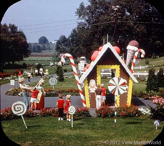View-Master Dutch Wonderland (A634), Scene 5: Gingerbread House in Lollipop Land