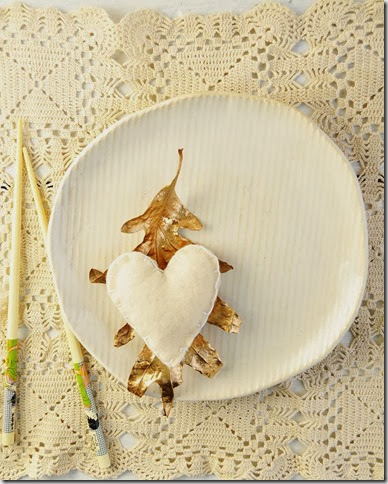 ivory and gold simple place setting