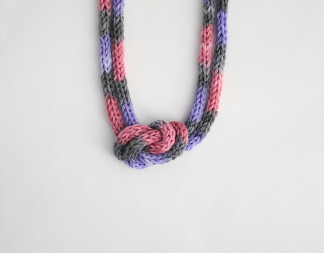 knitted knotted necklace 1a