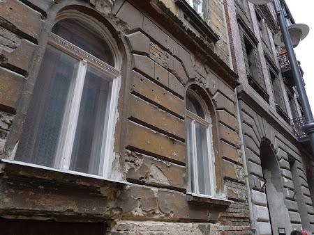Imagini Budapesta: ziduri impuscate din razboiul mondial