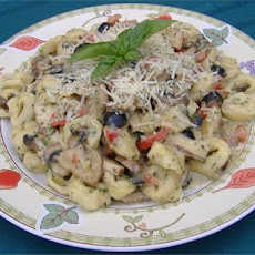 Pesto-Alfredo Cheese Tortellini W/ Grilled Chicken