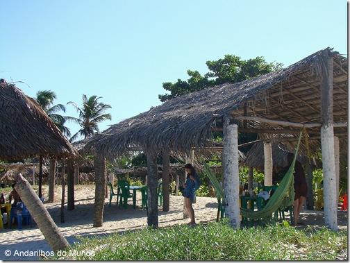 Tem até rede na barraca de praia da Ilha de Croa