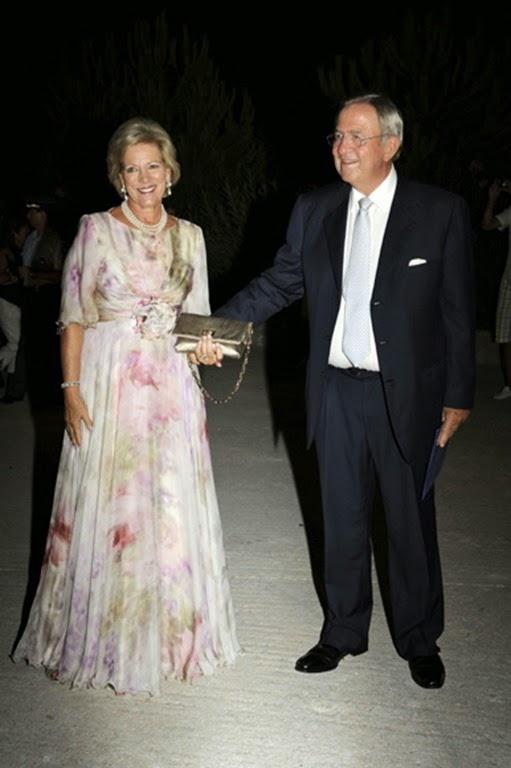 boda-nicolas-grecia15-a.jpgConstantino y Ana María de Grecia, padres del novio