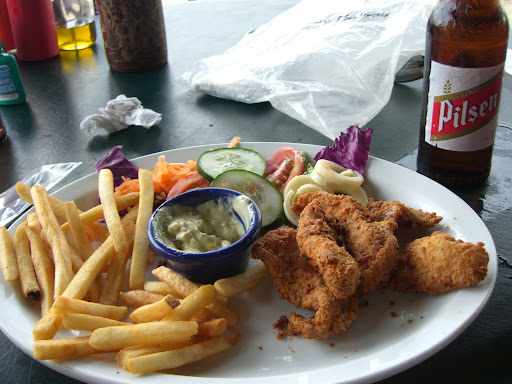 Playa Flamingo Cycling - Monkey Trail - after-ride dinner - fish and chips and beer!
