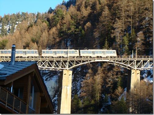 Ferrovia trem suica Switzerland Zermatt
